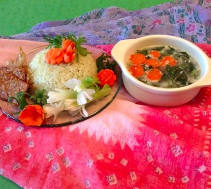 Nasi Bayam dan Lauk  Pendamping Sayur Bobor Bayam